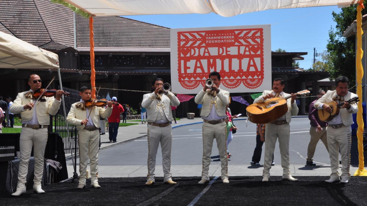 Mariachi performers at Dia de la Familia event
